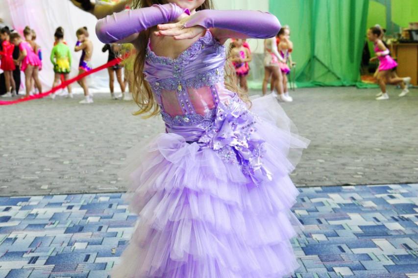 1 июня в СК «Горизонт» проходило открытое первенство ДЮСШ по художественной гимнастике «Дюймовочка»
