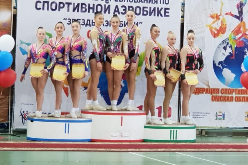 Серебро и бронза на Всероссийских соревнованиях «Звезды аэробики»!